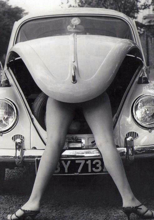 ragazza posseduta da maggiolino VW
