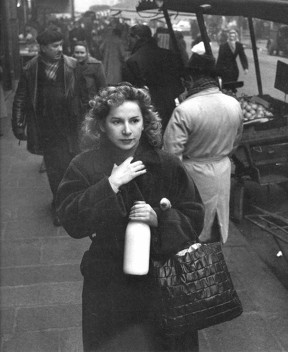mamma drammatica con latte.jpg