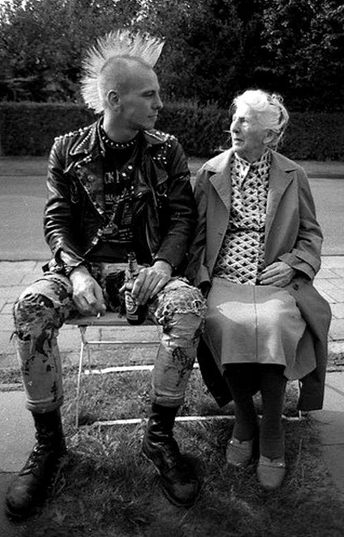 vecchia e punk.jpg